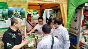 perum-bulog-dan-sugar-group-menggelar-operasi-pasar-untuk_200318084002-796